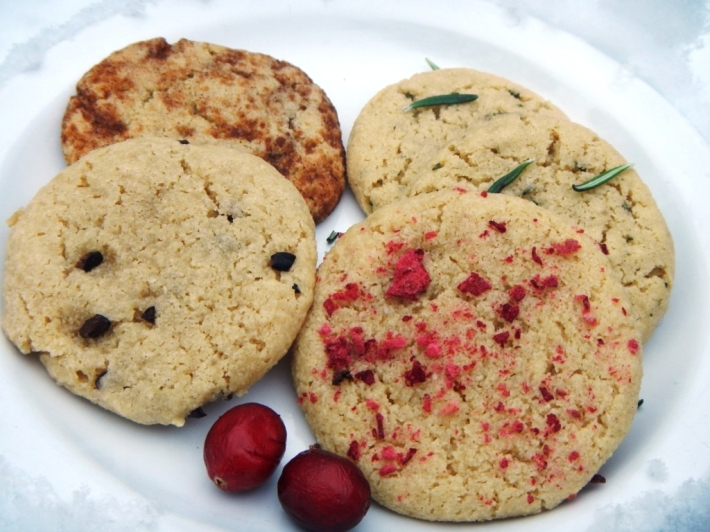 4 Paleo/Vegan Holiday Cookie Recipes! #BettyRawker